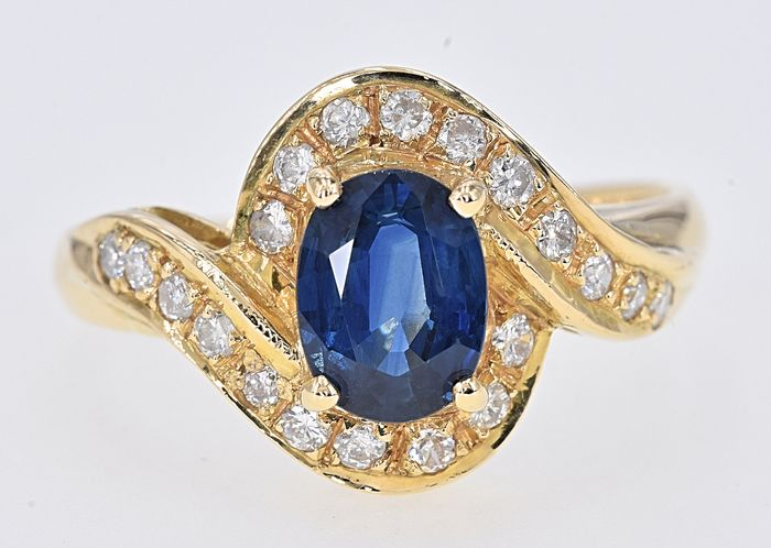 Yellow gold - Ring - 1.76 ct Sapphire - Diamonds