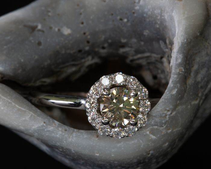 14 kt. White gold - Ring - 0.63 ct Diamond - Fancy Yellowish Green - SI1 - No Reserve Price