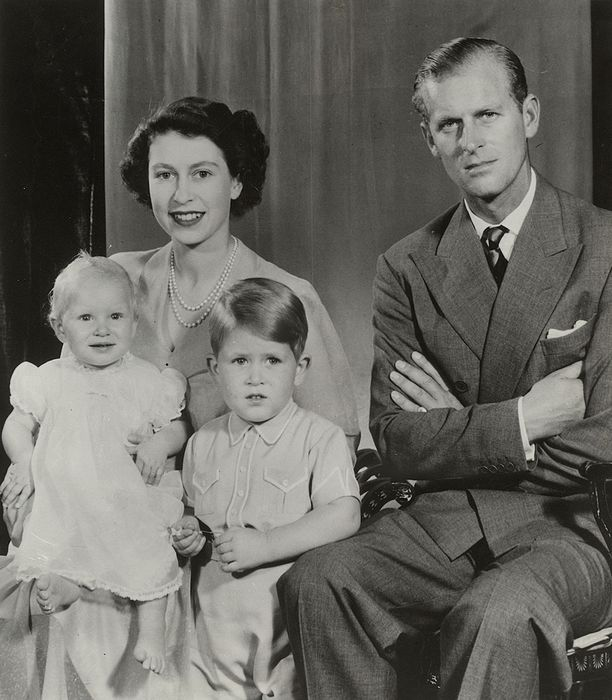 Yousuf Karsh (1908-2002)/British Information Services - Queen Elizabeth II, H.R.H Duke of Edinburgh & Their Children, 1947