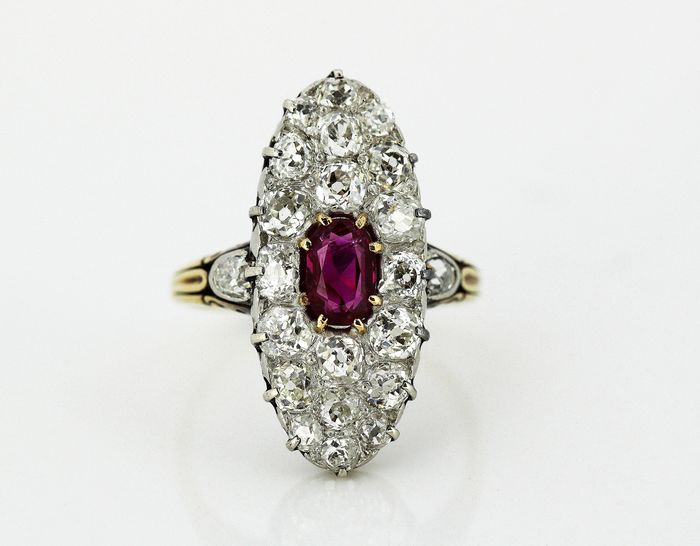 Victorian - 15 kt. Yellow gold - Ring Ruby - Diamonds