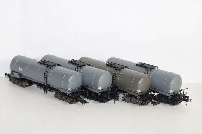 Fleischmann H0 - 5475 - Freight carriage - 4 tank cars EVA - DB