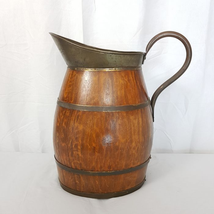 Large wooden pouring jug - Wood, copper