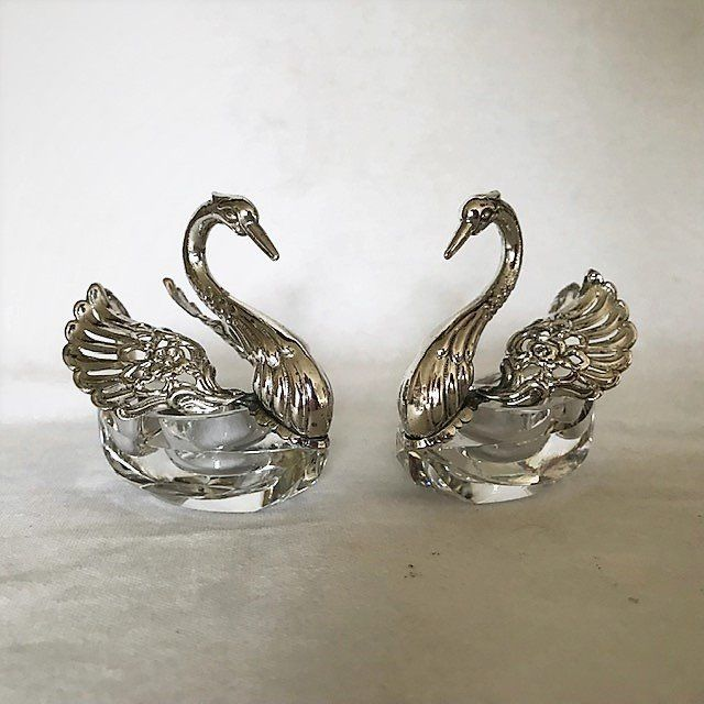 Swan shaped salt & pepper kegs with crystal containers (2) - .835 silver - Albert Bodemer - Germany - mid 20th century