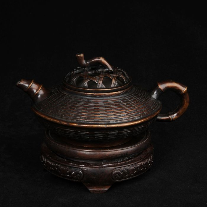 Woven teapot - Copper - China - Late 20th century