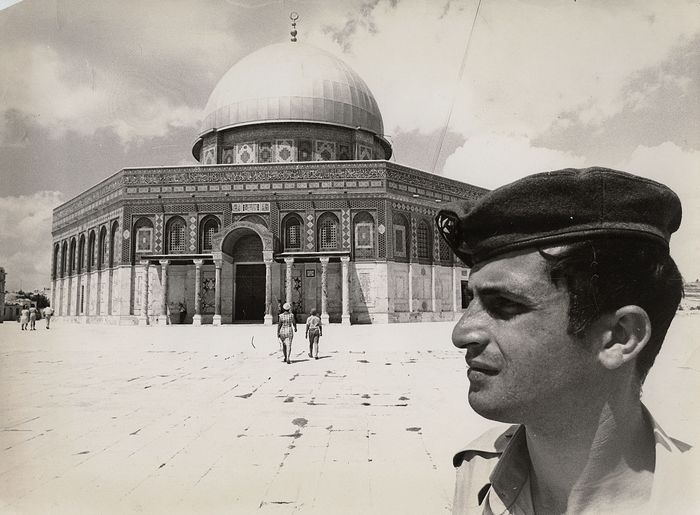 Eddie Adams (1933-2004)/AP Newsfeatures - Israeli Soldier at Dome of the Rock, Jerusalem, 1969