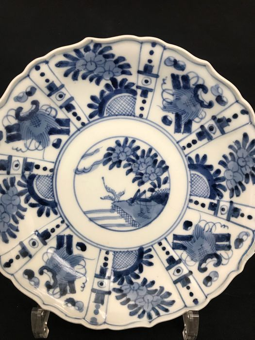 Plate - Arita, Blue and white - Porcelain - Marked 'Fuku' 福 - Japan - Late 18th / Early 19th century