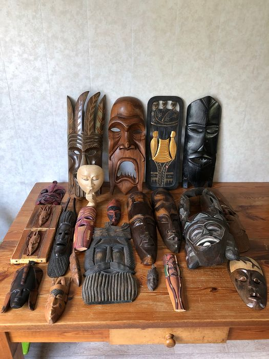 masks (22) - Wood