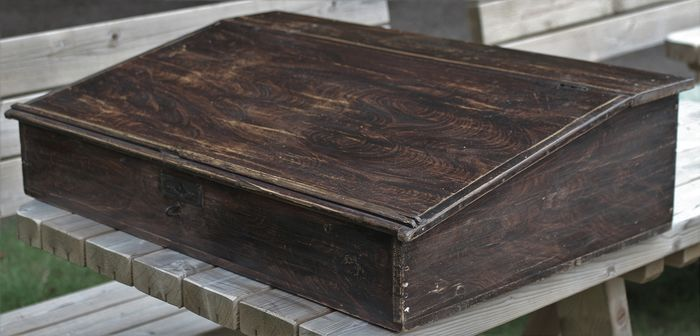 Lectern / writing box - Wood