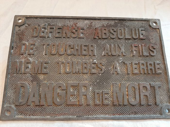 Heavy iron sign SNCF 'Danger de Mort'  - IJzer (cast / forged)