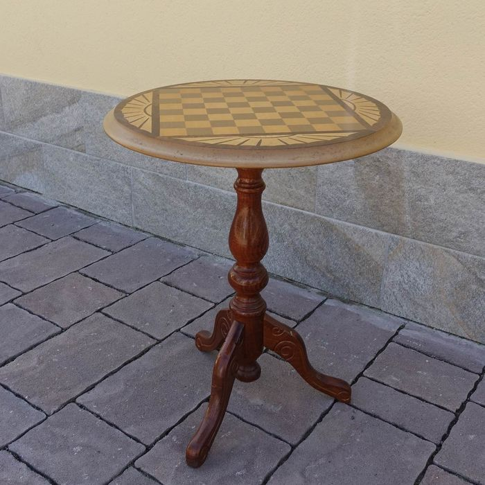 Chessboard Table - Wood