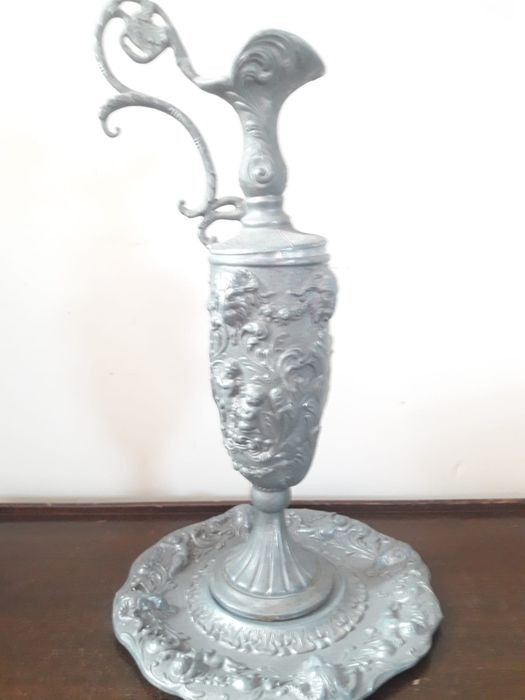 peltrato - carafe with saucer underneath (2) - Art Nouveau - Pewter/Tin
