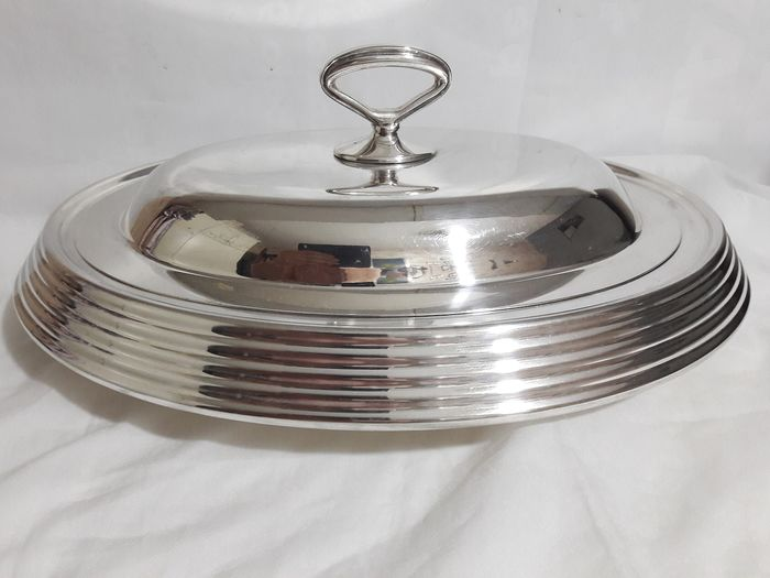 Serving tray with lid. - Silverplate