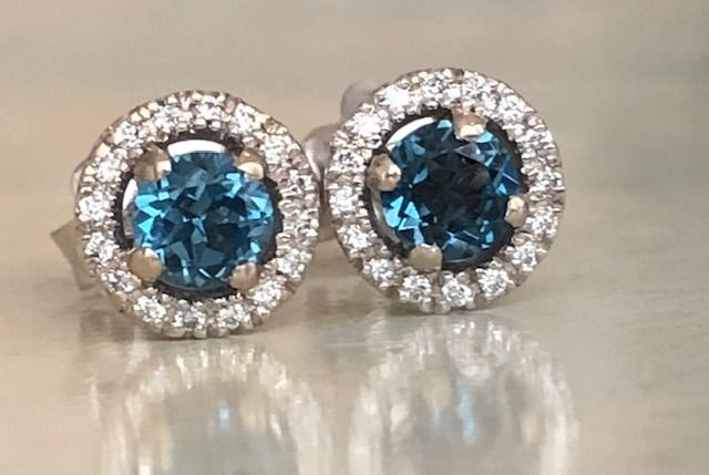 18 carats Or blanc - Boucles d'oreilles - 0.80 ct Topaze - Diamants