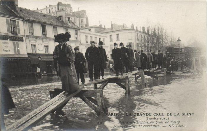 Flood Paris 1910 - beautiful images of flooded Paris - 68x postcards - year: 1910