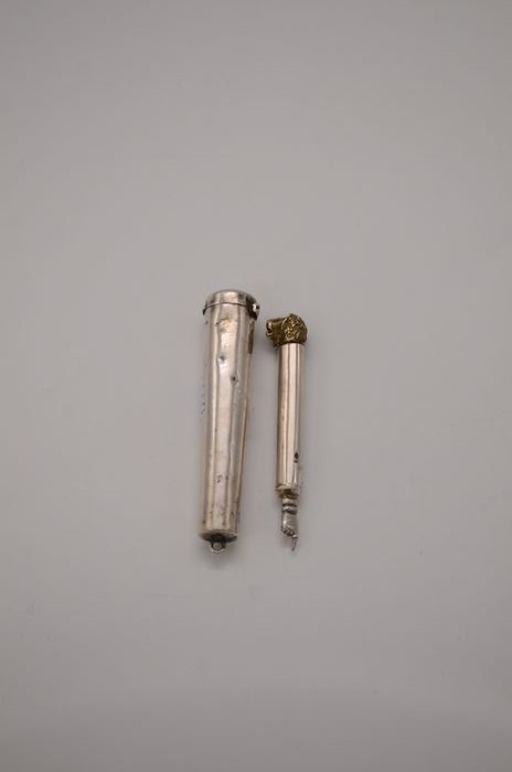A miniature Yad - .925 silver - England - Early 20th century