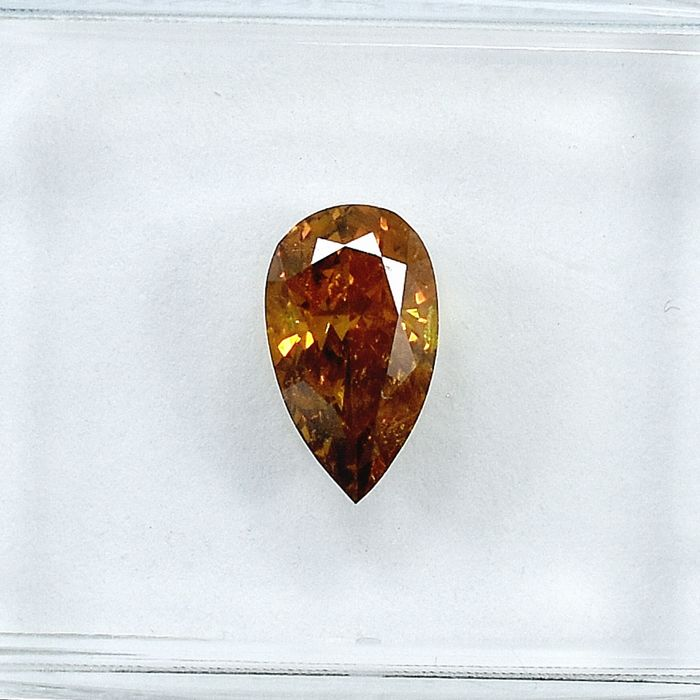 Diamant - 0.73 ct - Poire - Natural Fancy Deep Orangy Yellow - Si2 - NO RESERVE PRICE