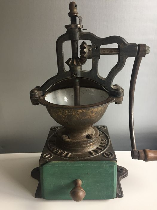 "Cast-iron coffee grinder ""Peugeot Freres Brevetes"" nr 1 A - Cast iron, wood"