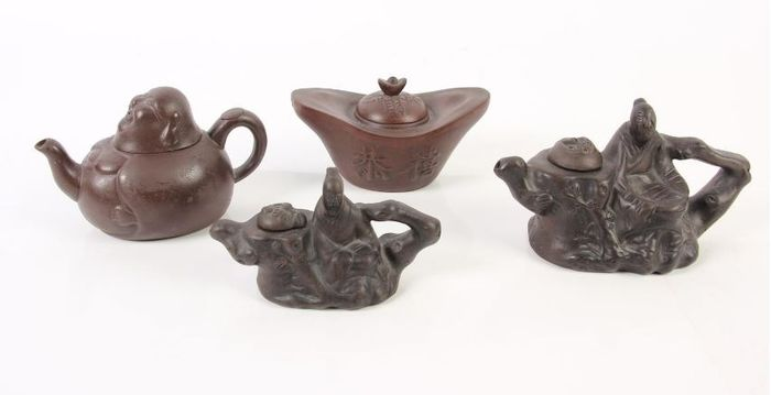 Teapots (4) - Yixing clay - China - Second half 20th century