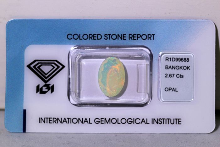 No Reserve Price - Multi-colored Opal - 2.67 ct