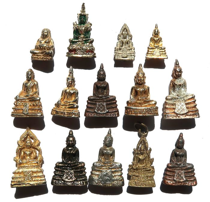 Collection of figurines - set of 14 statuettes of Buddha and Bodhisattvas (14) - Brass - Thailand - Late 20th century