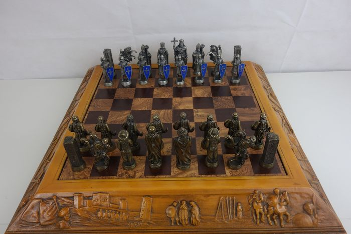 Chess set - Medieval Style - Christianity and the Order of the Bronze / Tin Temple. Original box