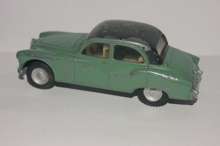 "Spot - On Models by Tri-ang - 1:48 - First Original Issue: Armstrong Siddeley 236 ""Sapphire"" - Modello bicolore ""Ivory Interior"" n. 101-1959"