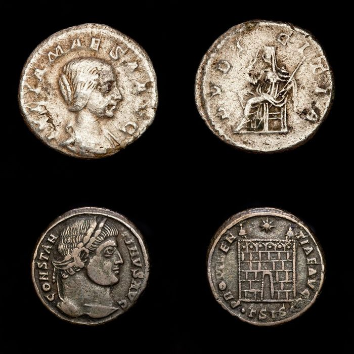 Romeinse Rijk - Lot comprising two coins, Follis and AR Denarius, - Julia Maesa (218-225) PVDICITIA and Constantine I The Great, campgate from Siscia. - Brons, Zilver