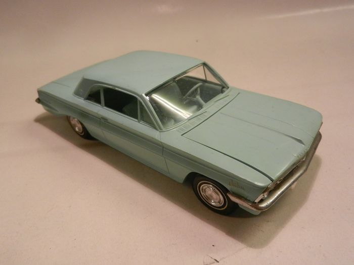 USA Promo model OLDSMOBILE F86 Cutlass 1962. Dealermodel. - 1:24