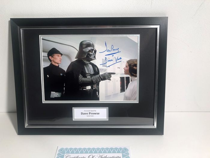 Star Wars  -  Dave Prowse as Darth Vader - Autograph, Photogrph, Mounted, Framed