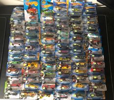 Hot Wheels - 1:64 - Hot Wheels lot of 107 pcs - 2009 / 2013
