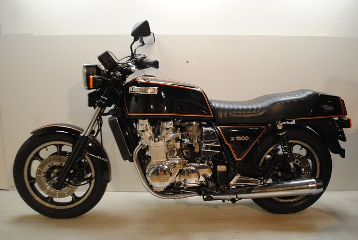 Cafe Racer - Engines, Fuel & Passions | Kawasaki cafe