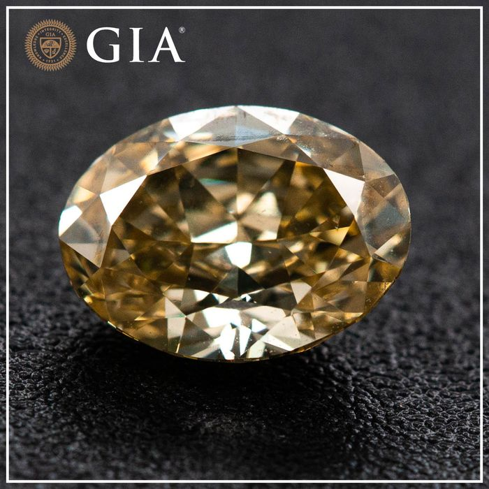 Diamante - 1.01 ct - Oval - fancy brownish yellow - SI1