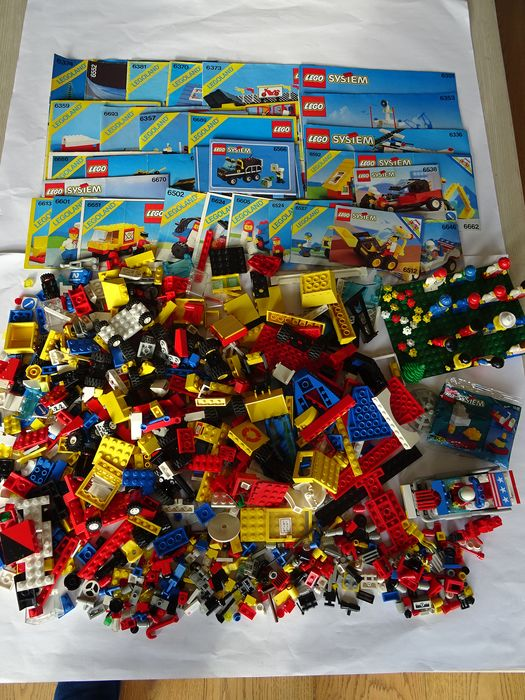 LEGO - Town - Divers - with 29 instruction booklets, 15 figures and a small base plate