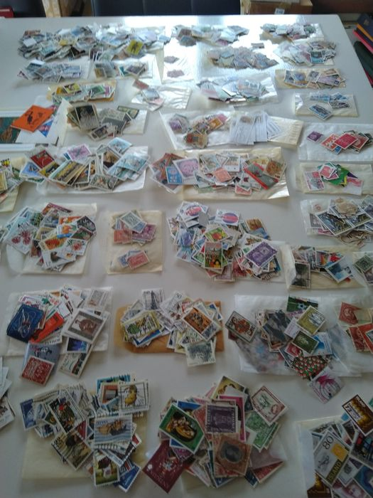 Mundo 1900/2000 - 10,000 different stamps in bags