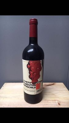 2005 Le Petit Mouton de Mouton Rothschild, 2nd wine Ch. Mouton Rothschild - Pauillac - 1 Flaska (0.75 l)