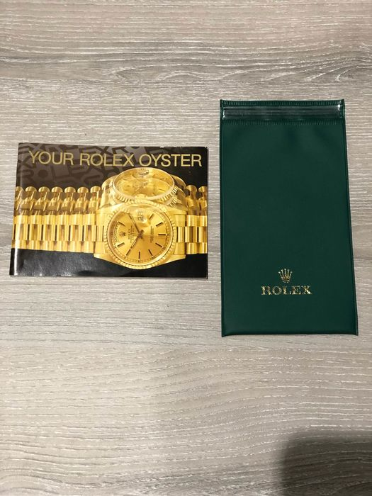 Rolex -  Set of Your Rolex Oyster and 1 Watchpouch  - 579.52 Eng - Unisex - 2011-heute