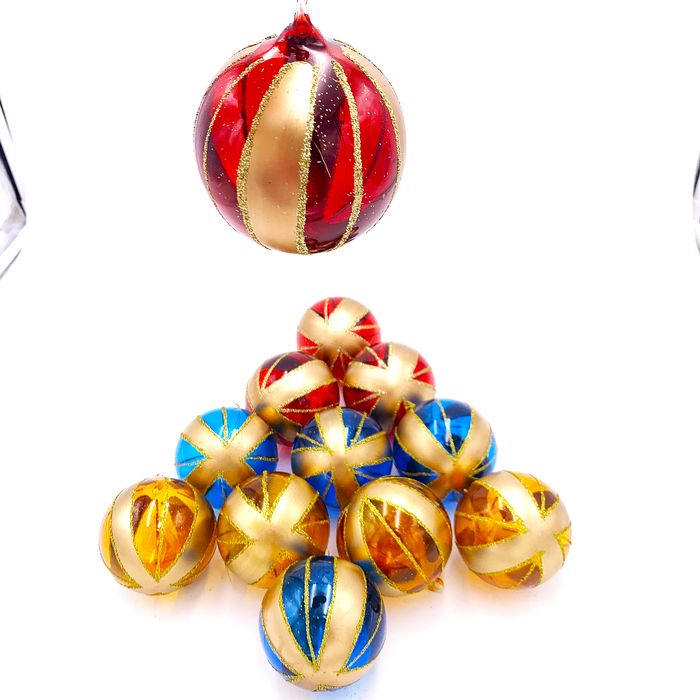 SET OF 12 GLASS CHRISTMAS BALLS IN THREE COLORS - Glass, Glass (stained glass)