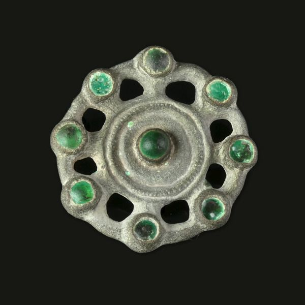 Early medieval Silver Ostrogothic bird heads brooch - (1)