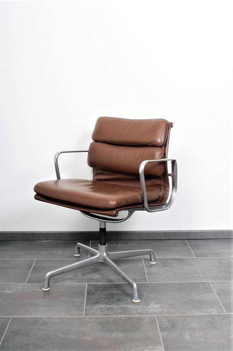 Charles Eames, Ray Eames - Herman Miller - Fauteuil - EA208 soft pad leather