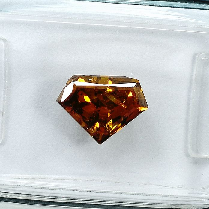 Diamante - 1.37 ct - Pentágono Passo Corte - Natural Fancy Deep Yellow Brown - I1 - NO RESERVE PRICE