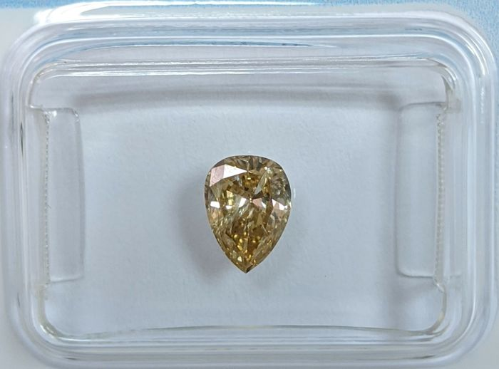 Diamante - 0.58 ct - Pera - fancy yellow brown - I1, IGI Antwerp - No Reserve Price
