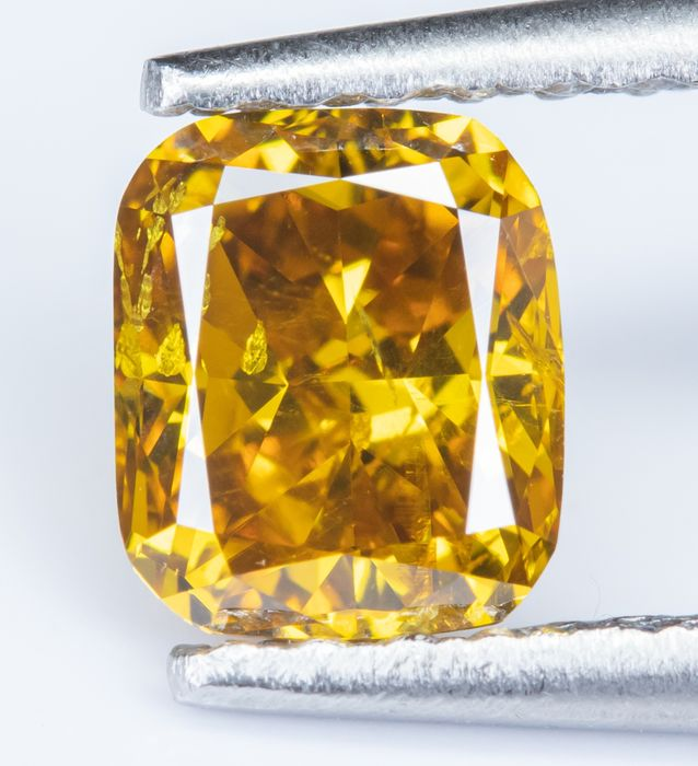 Diamante - 0.60 ct - Natural fantasia VIVID orangy amarelo - SI2  *NO RESERVE*