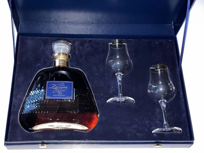 Zacapa 23 years old - 30 Aniversario + Riedel glass set - 70cl