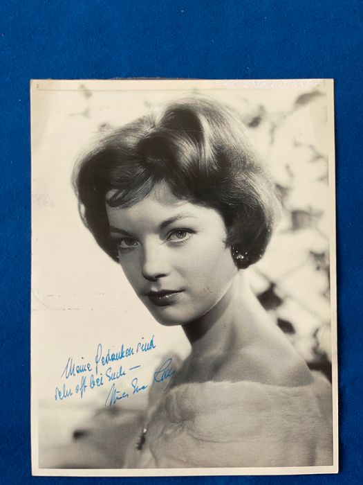 Romy Schneider Foto Handtekening Signed At A Young Age Catawiki