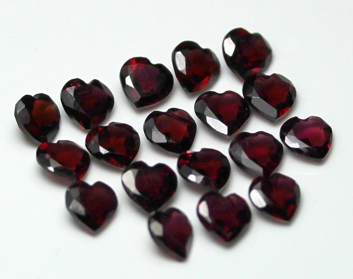 18 pcs  Granate - 16.62 ct