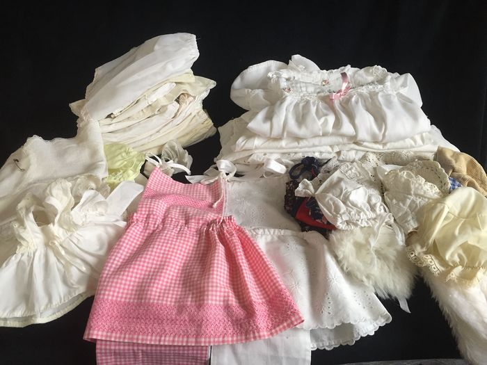 Niet bekend - Cotton clothes for antique dolls 53 pieces - 1970-1979