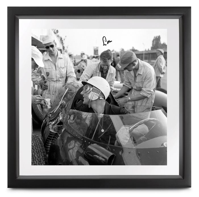 Formula One - Stirling Moss (signed) - Photograph