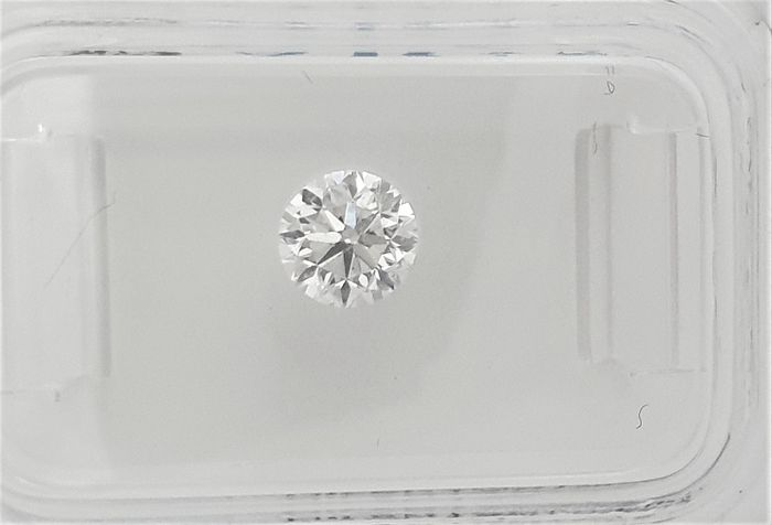 Diamante - 0.55 ct - Brilhante - E - VS2