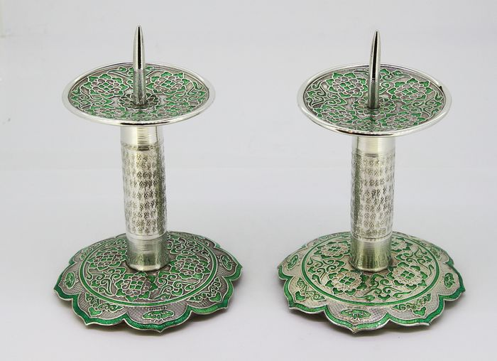 Antique pair of candlesticks - Silver - Middle East - 20th century