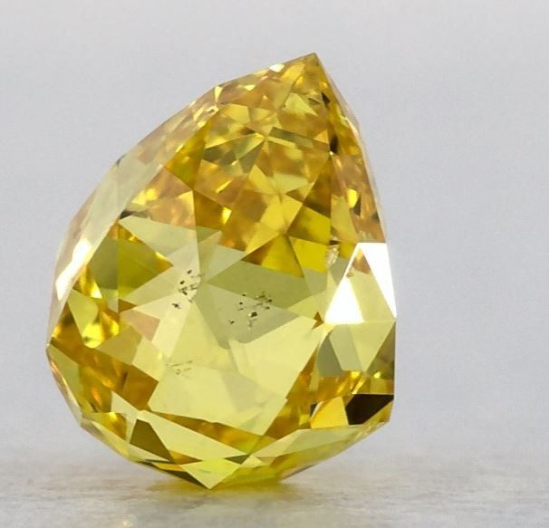 1 pcs Diamond - 0.51 ct - BRIOLETTE - fancy vivid orangy yellow - SI2